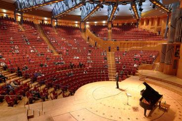 "MAY 25, 2021 <br>Virtual concert<br>Gürzenich-Orchester Köln<br><font size=""2"">Köln, Philharmonie, Germany</font>"